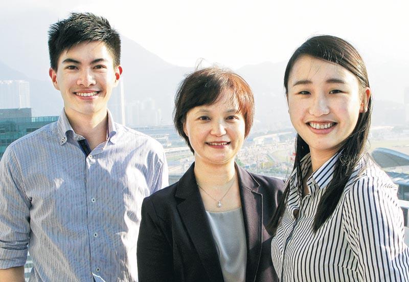 機管局組織發展及人才管理總經理潘小紅 (中)、MT 梁進偉 (左)、GE 馬豫瑤 (右)。