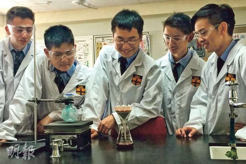 澳洲一班高中生花了一年時間,以低廉成本製造出達拉匹林的複製品。(網上圖片)