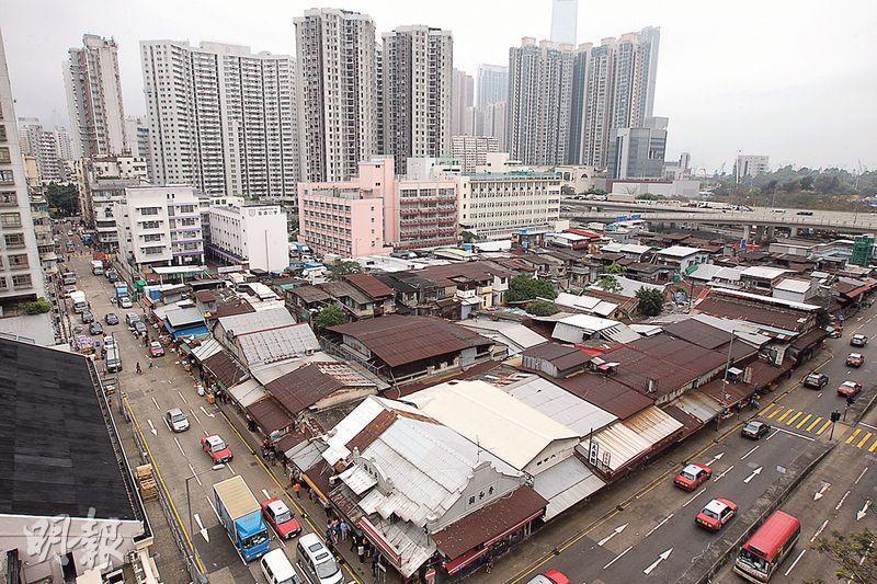 市建局行政總監韋志成表示,「油旺」兩區有不少刻劃社區特色的地標,如「果欄」(圖)、「女人街」等,可供規劃有深度的「地方營造」。(資料圖片)
