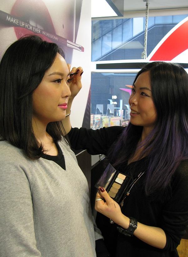 化妝示範:Jennifer Lau(非常作化妝導師) 模特兒:Annie Kwok