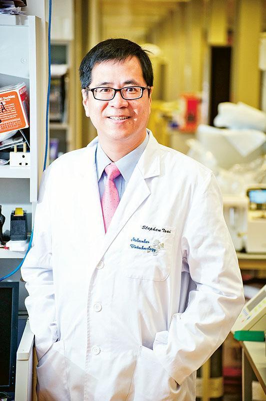 香港中文大學生物醫學學院教授、「中大 - 華大」副院長徐國榮