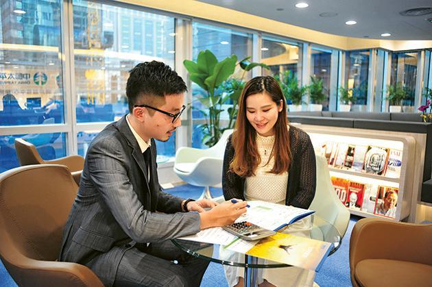 設在銅鑼灣心臟地段的客戶服務中心,除了有VIP房間保障客戶私隱外, 亦有可作為舉辦各類型活動及工作坊的場所,方便代理人和客戶。