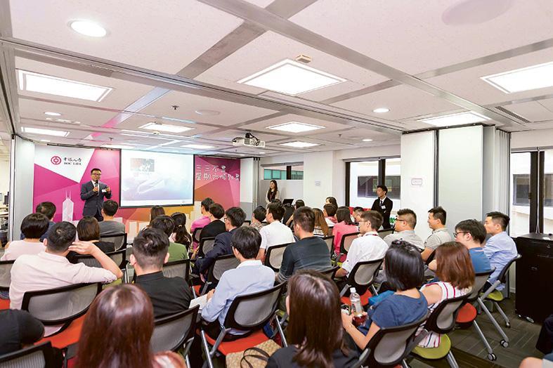 中銀人壽會透過不同的招聘會、院校招聘、社交平台等途徑,招攬有志投身財富管理行業的年輕人加入。