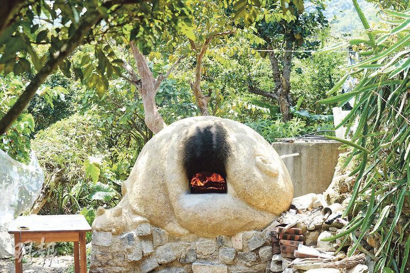 「窩牛窯」——由20人合力完成的土窯,外形恍似蝸牛,可愛之餘,也帶有慢活的意思。(圖:楊柏賢)