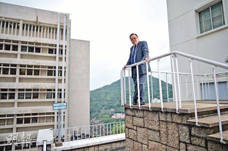 港大醫學院病理系法醫科副教授馬宣立(圖)看到社會不公,他選擇多走一步,1997年起協助創辦風雨蘭,2009年他義務為被警射殺的尼泊爾人林寶驗屍,他說做人最重要是「瞓得着」、「對得住良心」。(蘇智鑫攝)