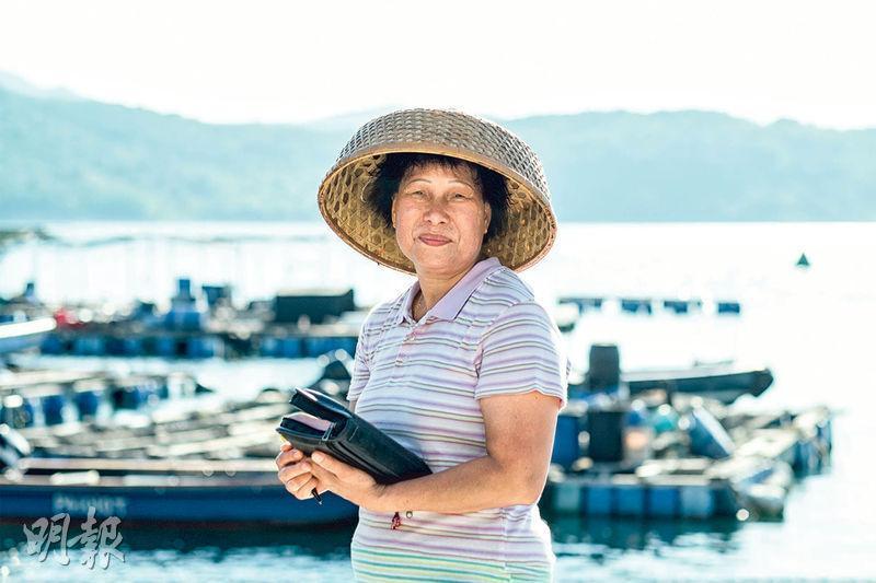 水上婦女漁歌——陳惠儀由「拜神」轉為信基督,將《聖經》經文編入嘆歌(漁歌一種),從她口中可以聽到水上人婦女的成長與家庭生活。(圖:受訪者提供)