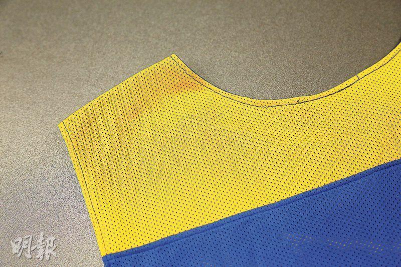 網孔大的衣物能加快散熱。(圖:李佩雯)