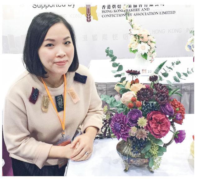 這個被網友評為比真花還要真的糖花作品,令Winnie奪得2016年香港國際烘焙展糖花比賽金獎。(相片由受訪者提供)