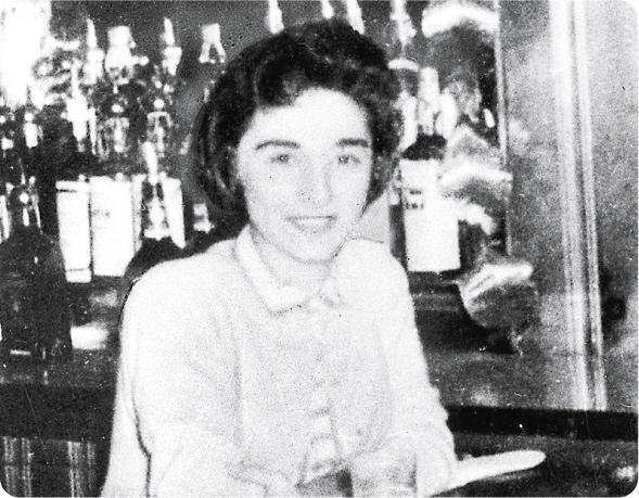 經典案例——1964年3月13日,年僅28歲的Kitty Genovese回家途中被人用刀從背後襲擊,事後犯人一度離開現場,但之後折返,最終把她殺死。報道指,當時有38名目擊者,卻無人出手協助受害者,直至受害人斷氣才有人報警。(網上圖片)