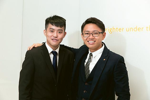 丁浩明(Morris,圖左) 及其Mentor 助理財務策劃經理王浩德(Donald,圖右)