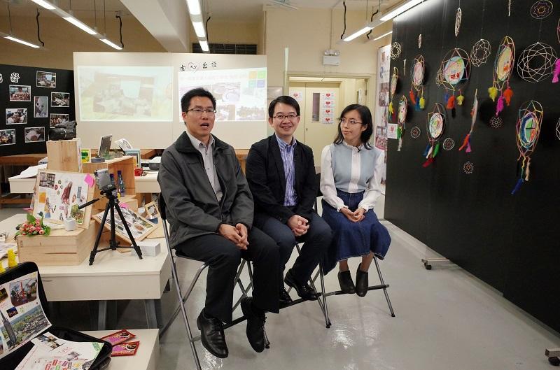 葉兆港老師(圖中)任教的學校曾舉辦藝術輔導計劃,以藝術活動提升中學生的個人成長。