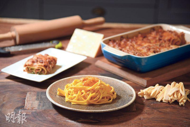 百變鮮蛋麵——烹飪達人Susu示範如何在家做出新鮮蛋麵,並配搭輕盈的肉醬芝士菠菜汁及香濃甘郁的海膽醬汁。(圖:黃志東)