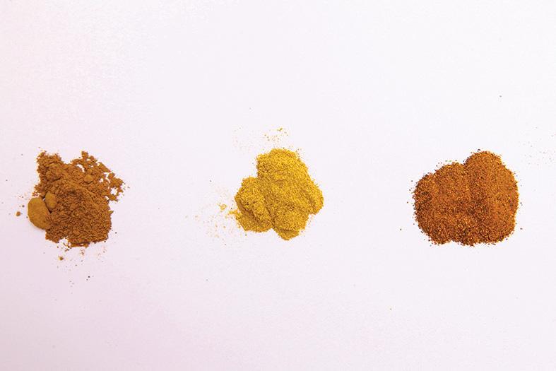(左起) 大黃、黃柏、黃連,三種粉末顏色極相似,因此必須選用顯微或理化鑒定方式進行鑒定和檢測工作。