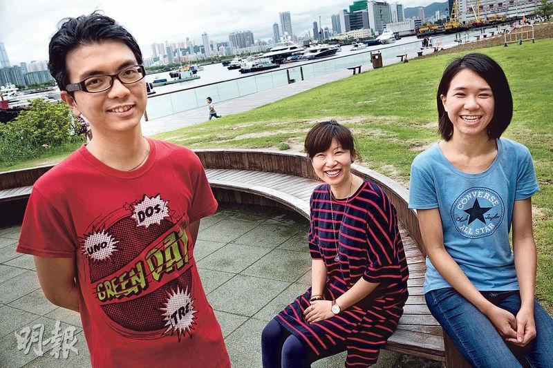 阿俊(左)、Irene(中)及Ada(右)不約而同說,在澳洲遇上打工陷阱等疑難時,只懂「自救」,從沒想過找當地部門或組織求助。三人現不時與有意到澳洲的青年分享經驗,避免有人步他們的後塵。(蘇智鑫攝)