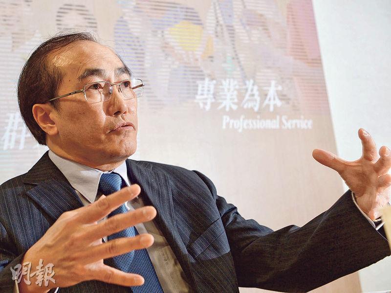 醫管局紓緩治療中央委員會主席劉錦城說,紓緩治療是專業治療,讓病人有多一個選擇,在病症末期時仍可有質素及有尊嚴地生活。(劉焌陶攝)