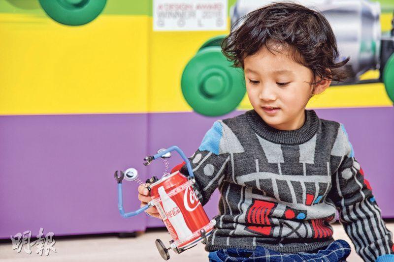 科文實業的Tin Can Robot(易拉罐機械人)系列由2007年開始推出,至今仍然暢銷,甚受小朋友歡迎。(黃志東攝)