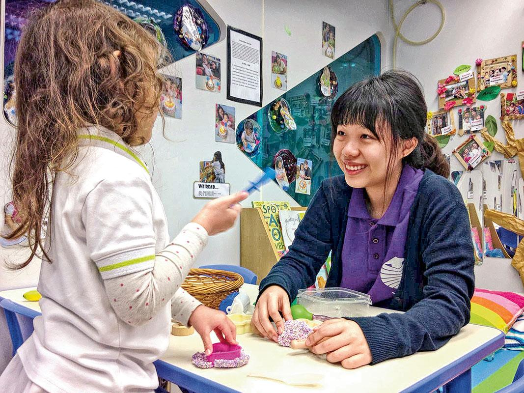 YCCC的學生將先後到國際及本地幼稚園實習,有助學生畢業後選擇適合自己的工作 環境。