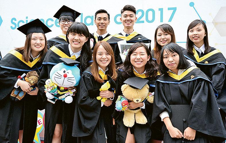 理學院開辦的研究生課程理論與實踐並重,有助擴闊學員的知識領域及 增強競爭力。