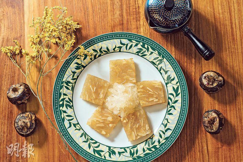 日本柚子馬蹄糕——馬蹄糕入口時帶有粒粒新鮮柚肉及馬蹄,口感十足,冷熱食用皆可。($238,A)(圖:馮凱鍵)
