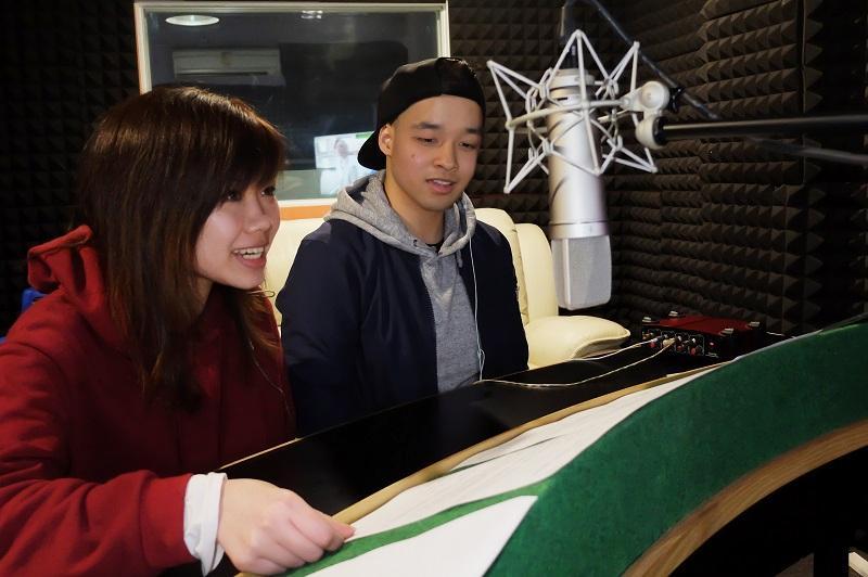 新晉配音員楊樂瑤 (左) 及彭梓揚 (右) 皆認為,配音工作可嘗試不同角色,很有滿足感。