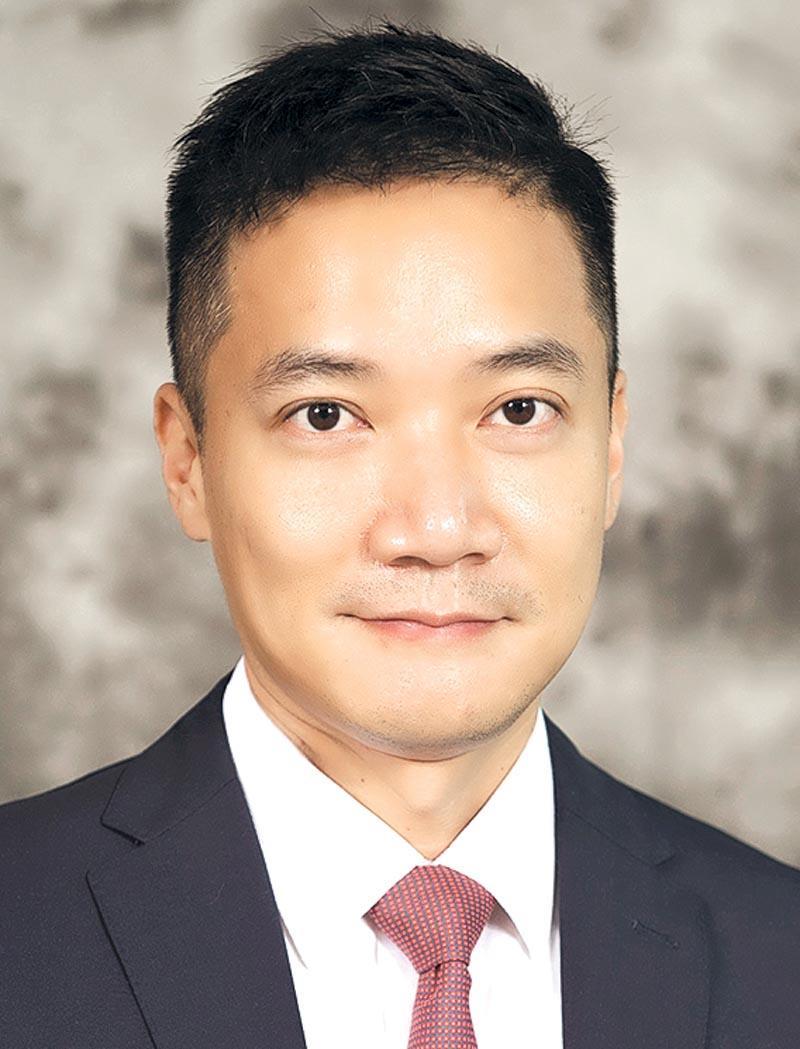 香港中文大學 (下稱「中大」) 賽馬會公共衛生及基層醫療學院副院長 (本科教育)、家庭醫學及基層醫療學部主任、「公共衛生碩士」課程主任黃仰山教授