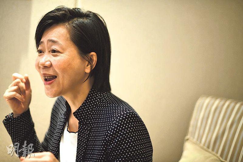 富達盟信顧問有限公司總經理張瑜(圖)表示,以往更多跨國企業希望向僱員提供支援及輔導服務,近年多了中小企同樣關注員工精神健康問題。她呼籲僱主要多關懷員工及推展正向工作間。(蘇智鑫攝)