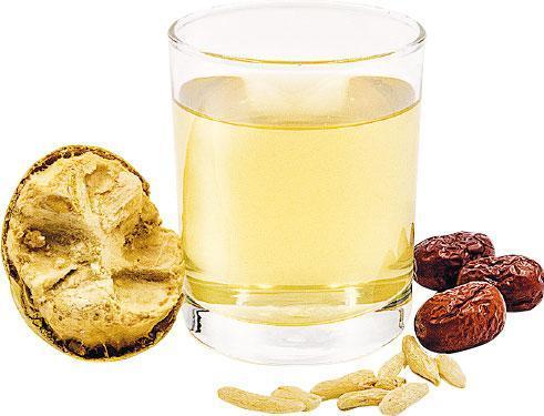 羅漢果紅棗麥冬茶——以有機甘露羅漢果配製而成的茶飲,聲稱可以清熱潤肺,適合平日煙酒過多或聲音沙啞人士。(熱$34,凍$36,B)(圖:受訪餐廳提供)