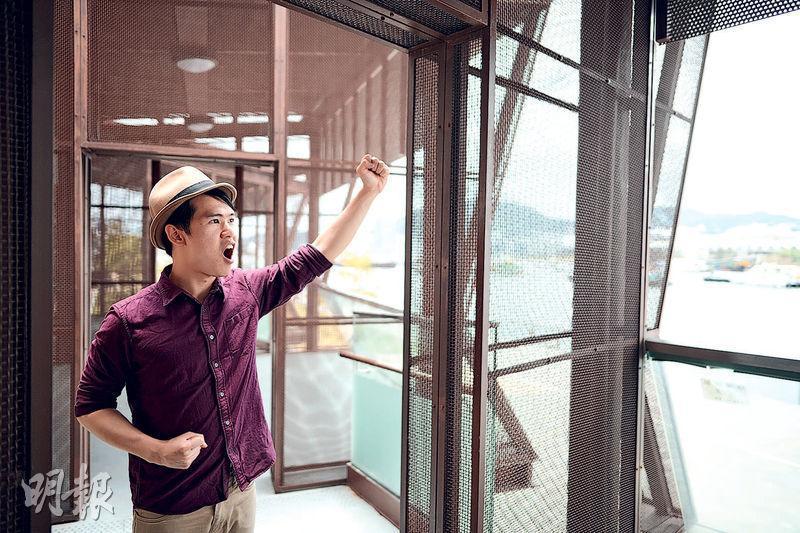 任職裝修物料銷售的劉凱文平日喜歡研究語言,有感廣東話在香港的地位被人貶低,故開設YouTube頻道,教授日常廣東話用字。(蘇智鑫攝)