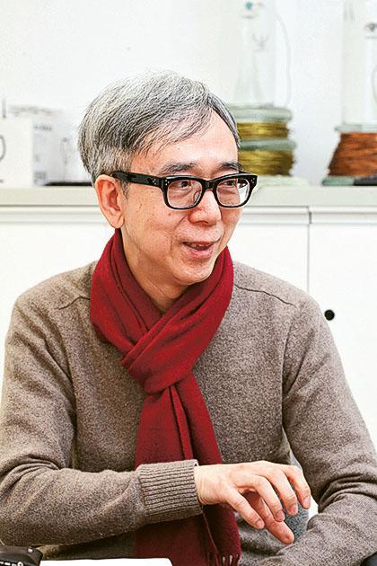 視覺藝術文學碩士課程總監鍾緯正博士