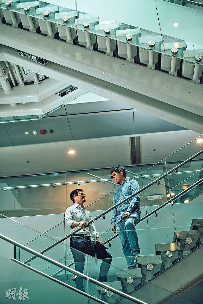 互動交流——Hugo(左)與Simon(右)均多次表示,能在這行遇上對方實屬慶幸,Hugo強調做AI研究,上司信任與理解很重要,Simon不但明白箇中難處,在AI知識上,雙方亦能互動交流。(圖:馮凱鍵)