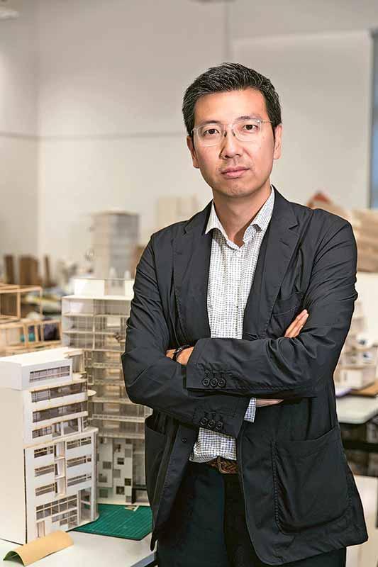 建築學系系主任朱海山副教授