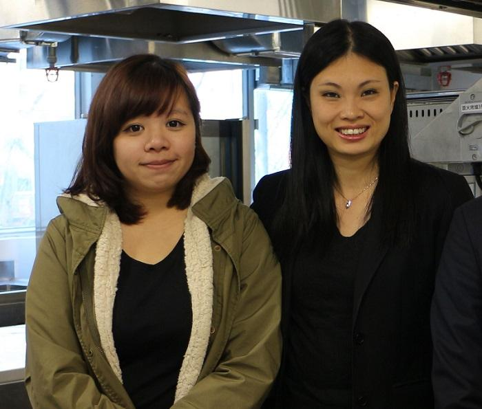 青年會專業書院款待管理學系系主任孫凱兒(右)及Cathy(左)