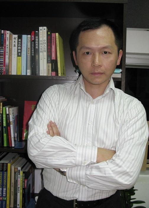香港專業普通話學校校長陳文龍