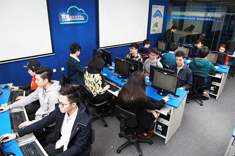 課程畢業生可投身於雲端系統,數據中心,及網絡管理行業。(相片由IVE提供)