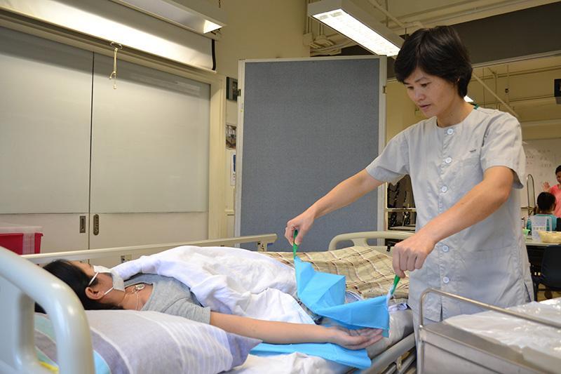 李巧蘭 YWCA醫護支援人員(臨床病人服務)基礎證書畢業生