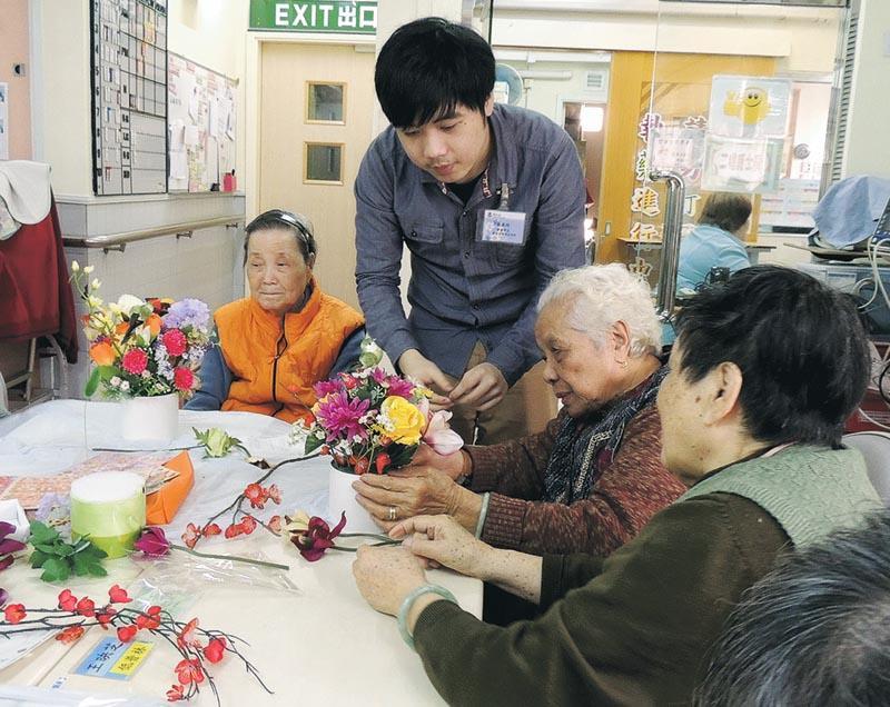 透過籌辦不同的活動可促進長者的社交和身心健康。(相片由東華學院提供)