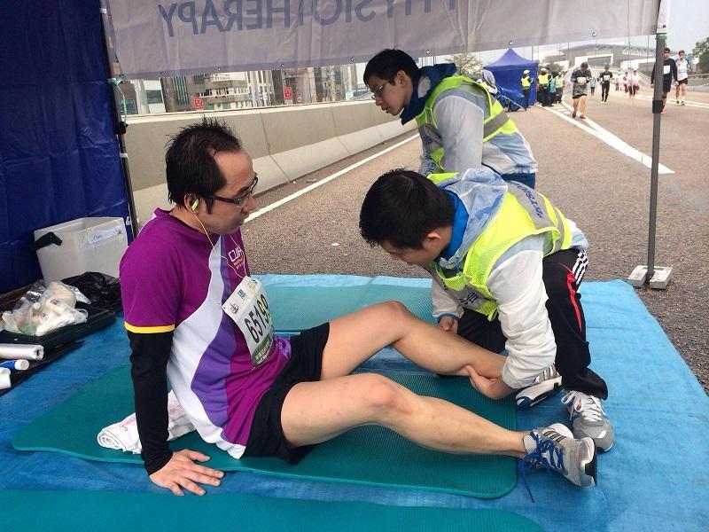 跑步運動者本身的體力、耐力、技術水平,以及訓練不當等,都可導致肌肉及膝蓋勞損、腳跟痛等創傷。