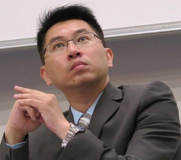 香港中文大學政治與行政學系副教授、「公共政策碩士」課程主任黃偉豪