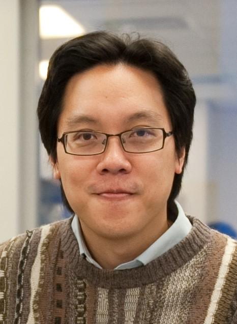 香港大學李嘉誠醫學院藥理及藥劑學系副教授梁栢行博士