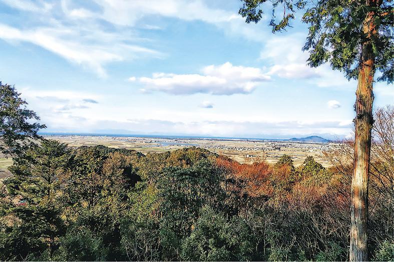 離不開歷史——每次出國旅行,主題也離不開歷史。Rusty年初到日本,特意攀上織田信長建立的安土城,這是從安土城天守台遠眺琵琶湖。(受訪者提供)