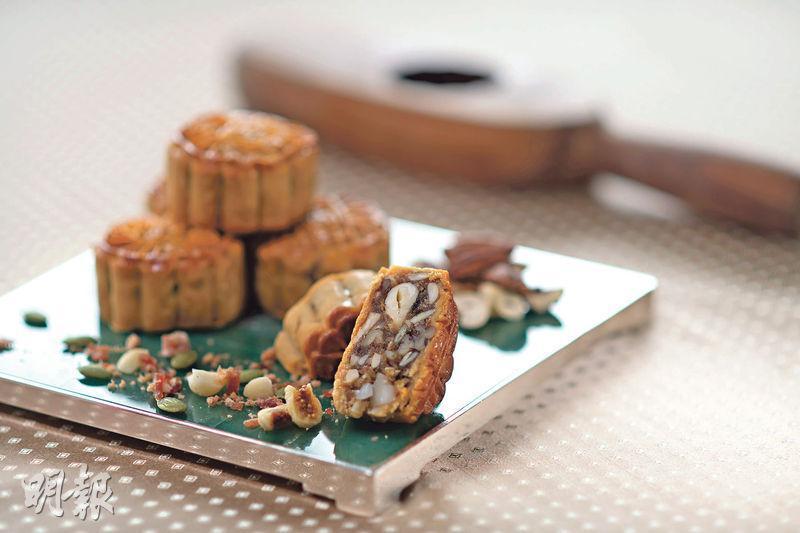 西班牙金腿五仁月餅——欣圖軒的西班牙金腿五仁月餅推出超過二十年,無論在味道、質感和油分等方面都有很高的水準。($368/6個裝)(蘇智鑫攝)