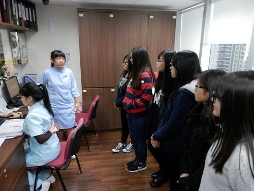 學員透過學習理論及到診所參觀等活動,掌握診所助理的日常工作和所需技巧,為日後投身診所助理鋪路。(由仁愛堂 YES 專業進修課程提供)