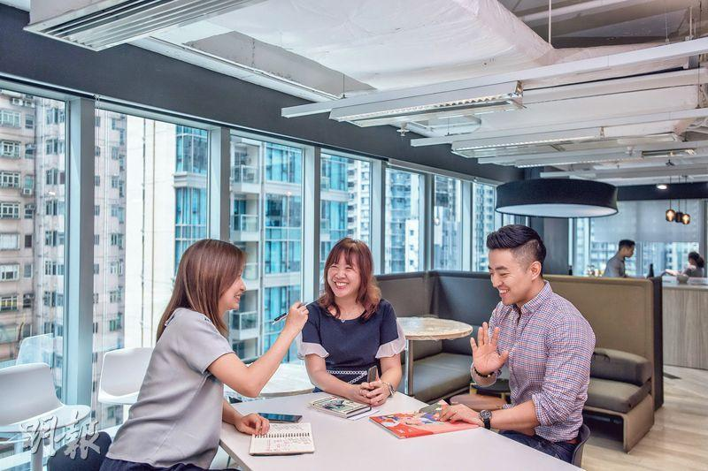 管理要訣——溫淑儀(Cherry)(中)在美資企業任職亞太區品牌傳訊總監,她認為管理好團隊時間,與管理個人時間同等重要。(鄧宗弘攝)