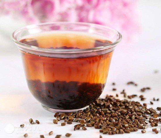 決明子茶是補眼食品之一。(網上圖片)
