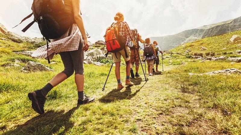 不少人喜歡假日親親大自然,行山舒展筋骨兼可欣賞大自然生態。(網上圖片)