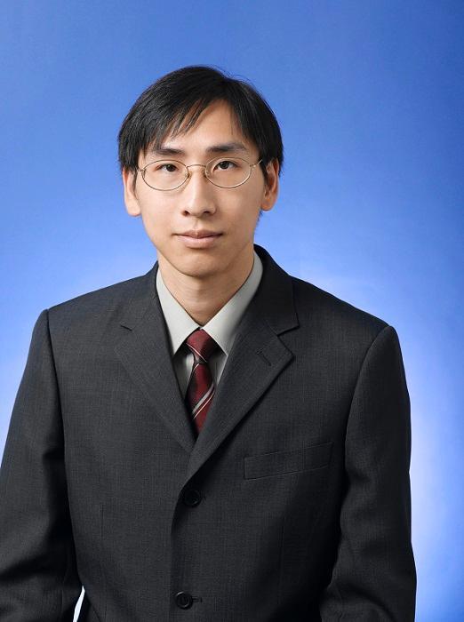 香港中文大學商學院助理院長 (本科課程) 及金融學系精算學實務副教授伍卓賢