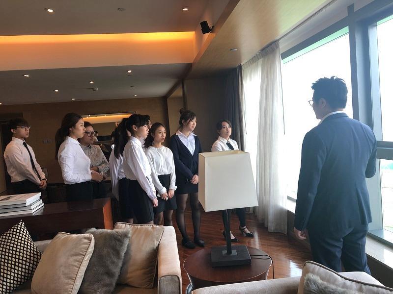 同學藉參觀酒店,了解酒店業的最新行情。