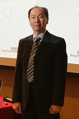 香港青年協會生活學院導師兼香港模型飛行總會主席羅希孝 (Ken Sir)