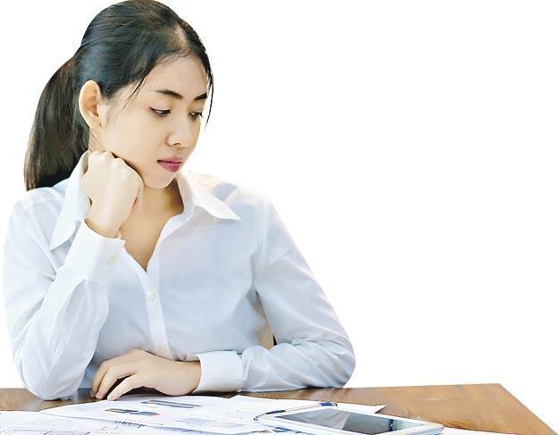 Yee指新世代員工普遍較為追求工作滿足感,對較低階工作往往缺乏興趣,因而陷入拖延困局。她建議主管可與員工講解其工作對公司的貢獻,以及對員工往後發展的好處,提升其工作動力。(tuaindeed@iStockphoto)