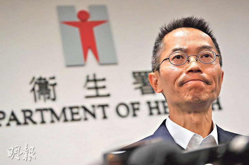 衛生防護中心昨日宣布本港踏入冬季流感季節,中心總監黃加慶(圖)稱,今季以甲型(H1)流感為主,5歲以下兒童和年齡介乎50至64歲的成年人最受影響。過去數星期,0至5歲以下的小童入院率較高。(李紹昌攝)